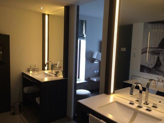 Van der Valk Hotel Heerlen : Bathroom in Wellness suite
