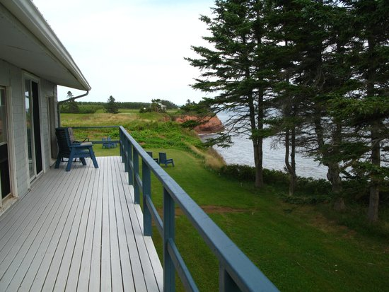 Cliffside Inn : True to it's name, you're right on a cliff with an amazing view of the water