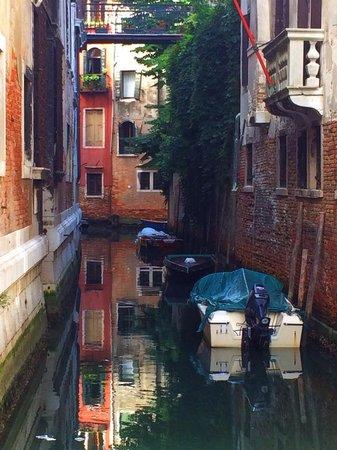 Venice Original Photo Walk and Tour: a beautiful side canal
