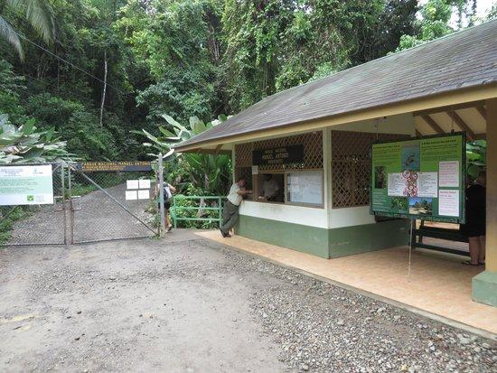 Playa Manuel Antonio: Manuel Antonio Entrance