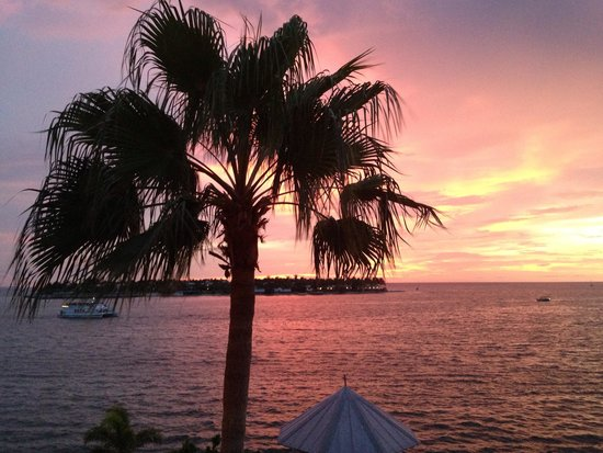 Ocean Key Resort & Spa, A Noble House Resort: Gorgeous sunset view from our room.