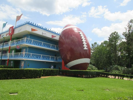 Disney's All-Star Sports Resort : Touchdown Section