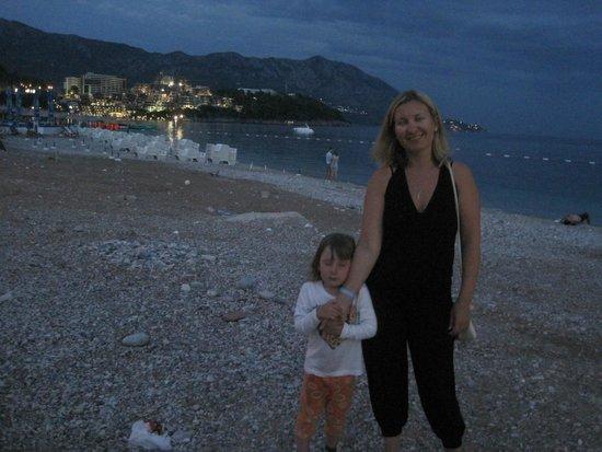 Hotel Montenegro Beach Resort : прогулка по набережной
