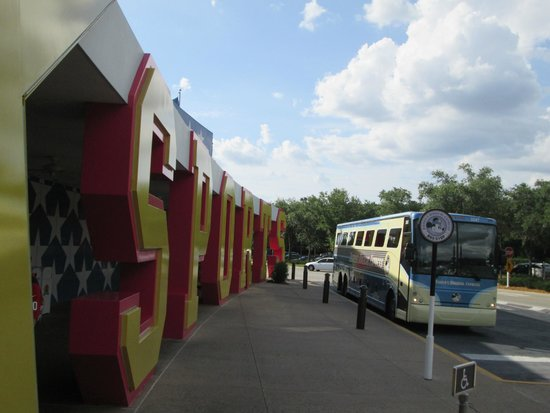 Disney's All-Star Sports Resort : Bus Stop Area