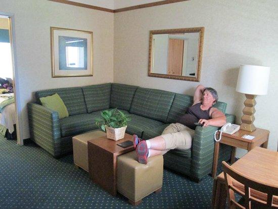 Quality Suites San Luis Obispo: Living room