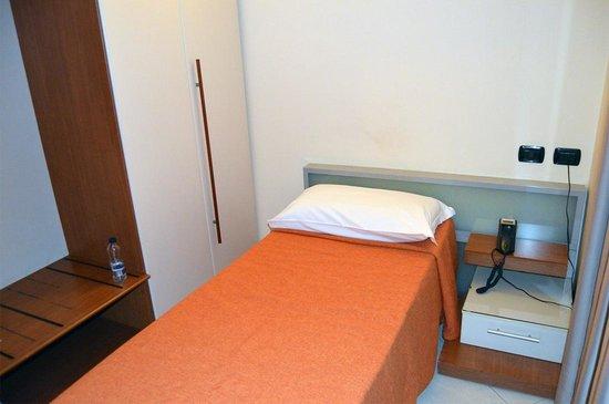 Hotel Del Corso : Room, bed