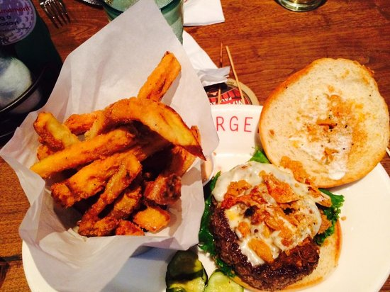 The Farmhouse Burger with chicken cracklin' - Picture of Max Burger ...