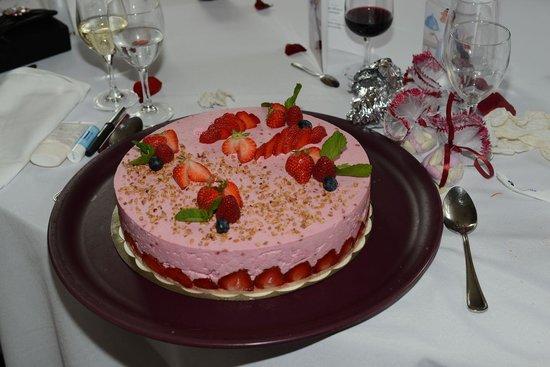 restaurant du chteau la demeure de la dame du fer charlotte aux fraises - Chateau De Wendel Hayange Mariage