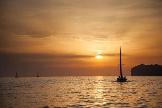 Spiridakos Sailing Cruises: закат