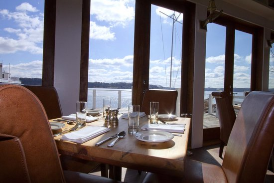 Pier 290 Restaurant: A Table with a View