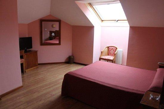 Hotel Arbeyal: habitacion abuhardillada