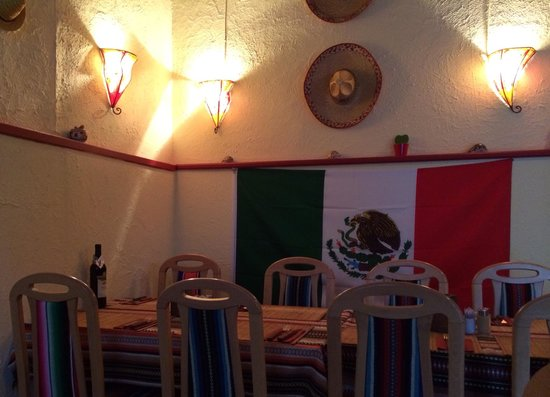 Tex Mex Chillihouse: Front dining room.