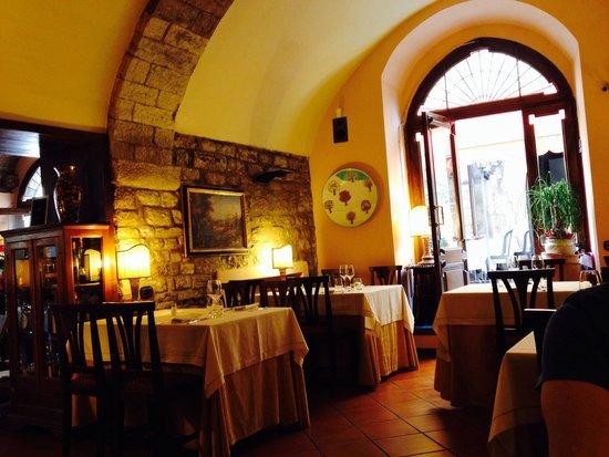 Taverna del Lupo: l'eleganza del locale ;)