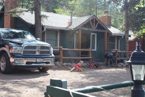 Rustic River Cabins: Cabin 5