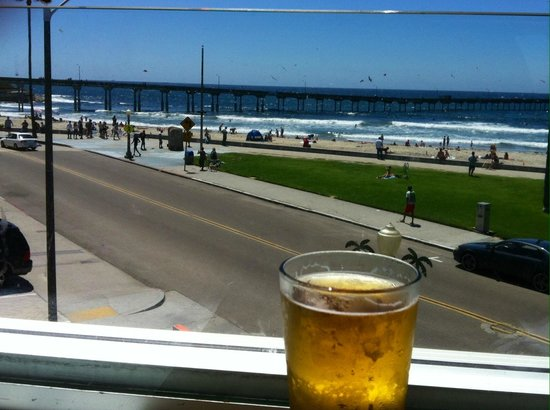 Wonderland Ocean Pub: Great beer selection and an amazing view!