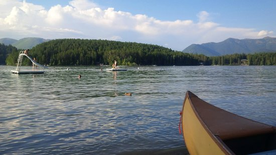 Lake Five Resort: taking the canoe out on the lake
