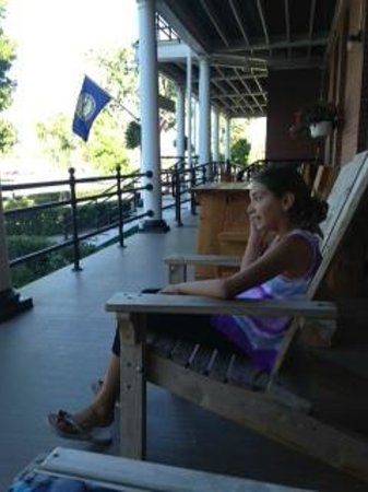 Fort Robinson State Park: Front Porch Rocking