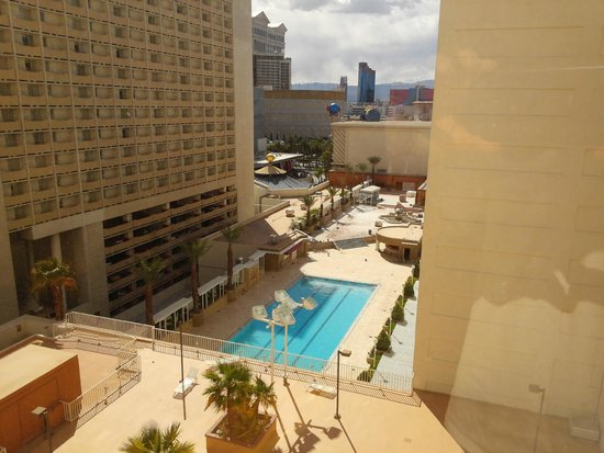 Harrah's Las Vegas: View from room- pool was under remodeling