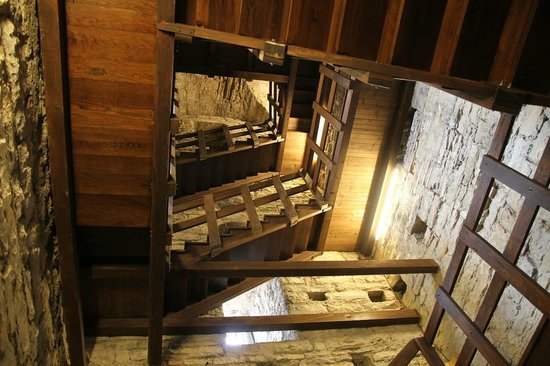 Torre del Gombito: Inside the tower