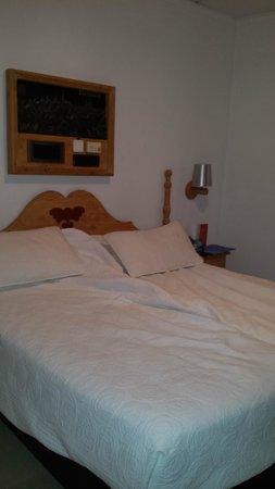 Carlos V Hotel: Cama