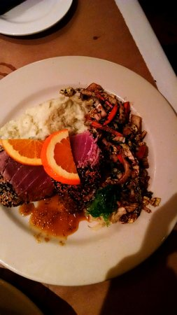 The Seafood Grille at The Waterford : seared sesame tuna with mashed potatoes and Asian slaw