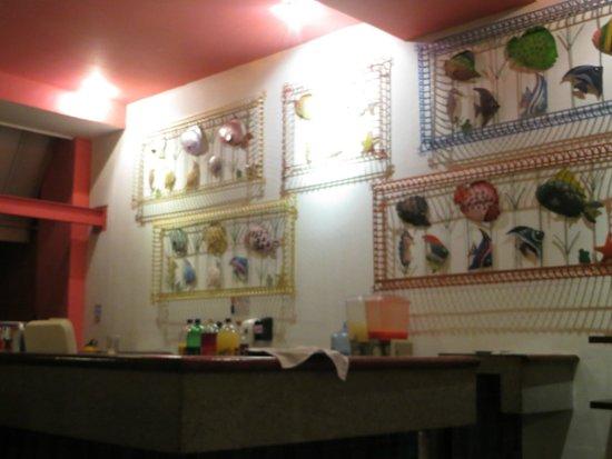 Decameron Barú: Decoración del bar en el restaurante buffet