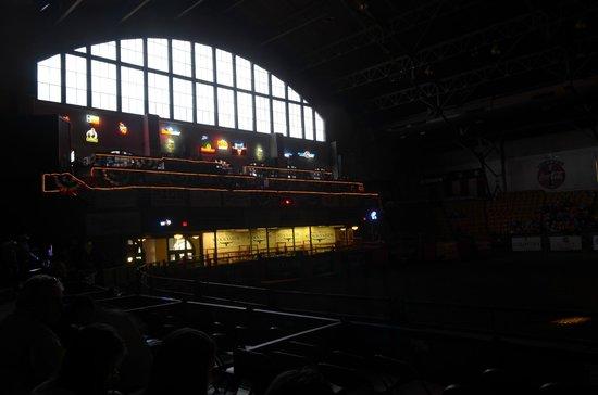 Stockyards Rodeo : soppalco e bar