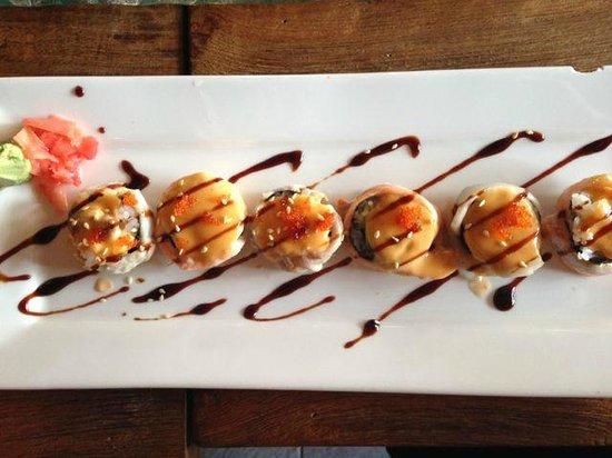 TORO Sushi: Signature roll