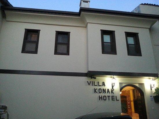 Villa Konak Hotel Kusadasi: Entrada , Vista da Rua