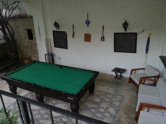 Villa Konak Hotel Kusadasi: Mesa de Sinuca