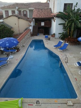 Villa Konak Hotel Kusadasi: Vista do Quarto para a piscina