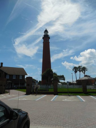 Ponce de Leon Inlet Lighthouse & Museum: View from the parking lot