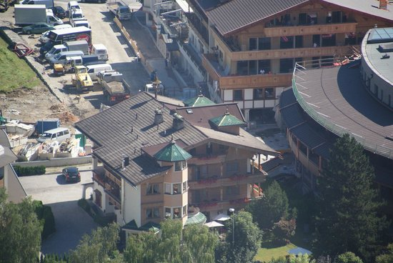 Hotel Garni Glockenstuhl: The hotel seen from birds eye view.