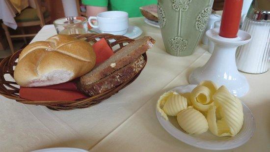 Hotel Garni Glockenstuhl: Breakfast.