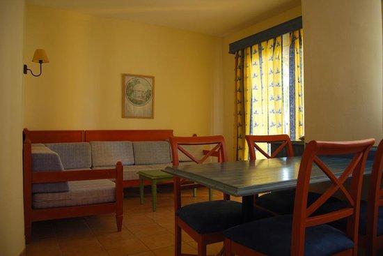 Isla Del Aire Apartments: Sala