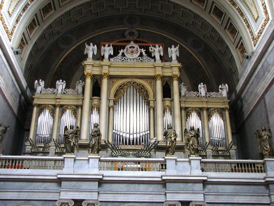 Rinett Guide Tours : Pipe Organ