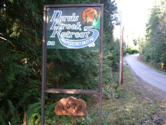 Davis Brook Retreat: Entrance