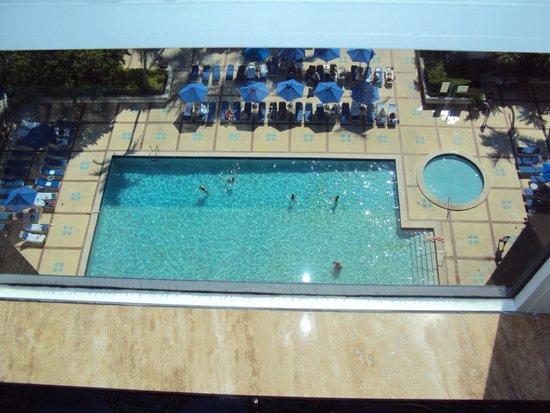 Miami Beach Resort and Spa: Área da piscina