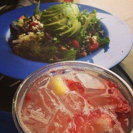 Hyatt Regency Huntington Beach Resort & Spa : Lunch in the cabana