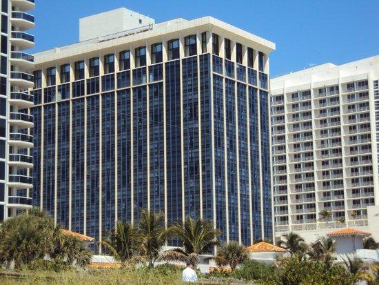 Miami Beach Resort and Spa: Vista do hotel