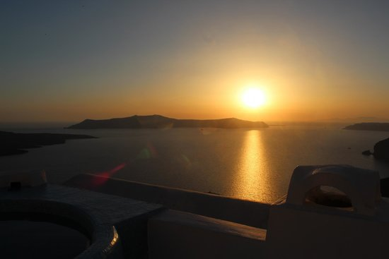 Blue Angel Villa: Sunset from the rooftop jacuzzi