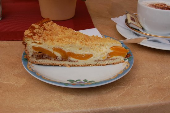Hotel Oberwiesenhof: Kuchen auf der Terrasse