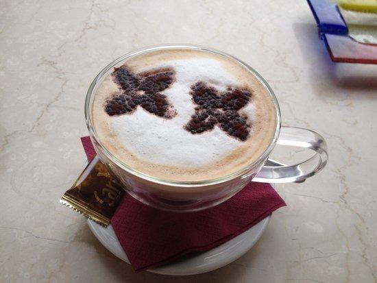 Bar Gelateria Gianmartin : Large coffee! yum
