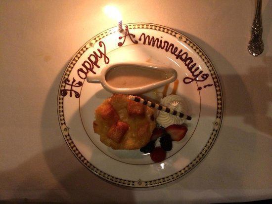 Duane's Prime Steaks and Seafood: Bread Pudding dessert