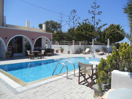 Koronios Villa : piscina