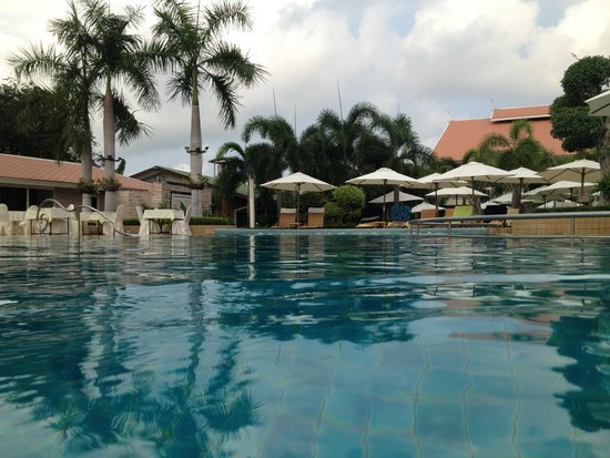 Thai Garden Resort: Pool