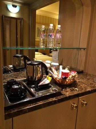 Makkah Millennium Hotel: Snacks