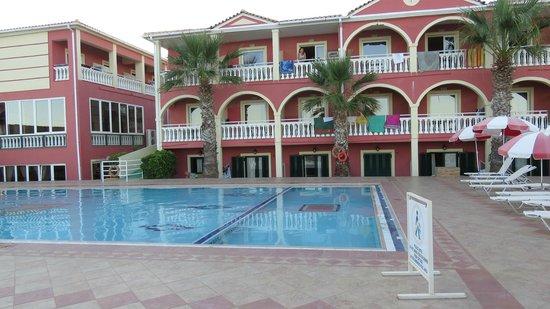 Anastasia Beach Hotel: отель