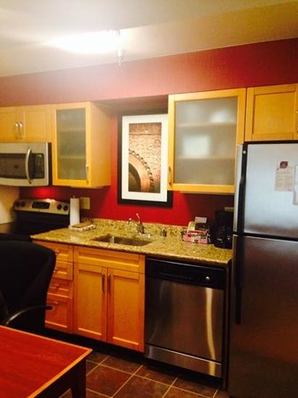 Residence Inn Las Vegas Convention Center : Kitchen in Studio