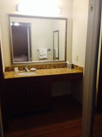 Residence Inn Las Vegas Convention Center : Bathroom in Studio
